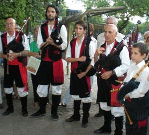 La Banda de Gaitas Dúas Beiras actuará durante el acto.