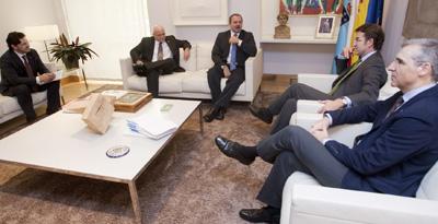 Rodríguez Miranda, José Antonio Solana, Eugenio Martínez, Núñez Feijóo y Francisco Conde, durante el encuentro.