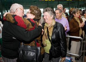 chegada dos emigrantes galegos do programa reencontros na casa 2012 fotos: ana varela