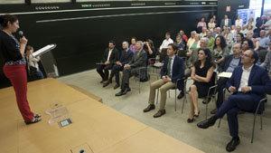 Un momento de la intervención de Lucía Lameiro, durante la inauguración.