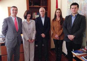 Miras Portugal con los representantes de Cedeu en México.