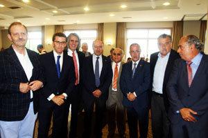 El presidente Feijóo y algunos de los empresarios participantes en el Encuentro.