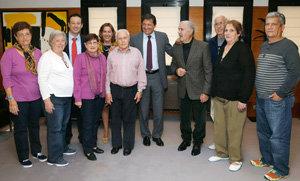 Javier Fernández, Guillermo Martínez y Begoña Serrano, con los participantes en Añoranza.
