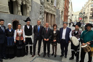Rueda y Urkullu presidieron los actos de aniversario de la Irmandade de Centros Galegos.