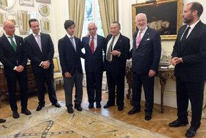 Miras Portugal entrega la Medalla de Oro a Manuel Padorno.