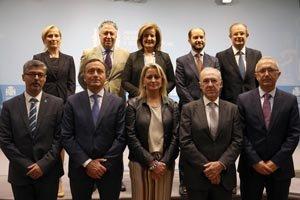 Dirigentes del Ministerio de Empleo y Seguridad Social asistentes al acto.