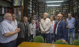 Baltar, durante su visita a la biblioteca del Centro Gallego.