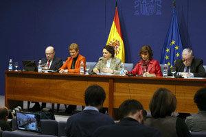 La ministra Magdalena Valerio, junto a otros dirigentes del Ministerio, en la presentación del presupuesto.